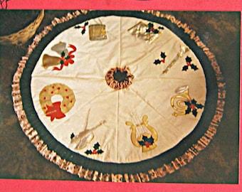 RARE Vintage Sounds of Christmas Tree Skirt Quilt Pattern #11 Musical Instruments Applique Designs, Violin, Harp, Horn, Drum, Bells
