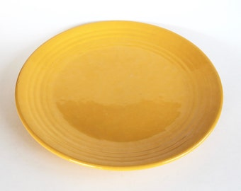 Vintage 1940s/1950s Yellow Bauer Pottery Plate!