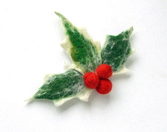 Holly with berry Christmas Flower Red Pin felt brooch - green and red, ready to shipGift under 50 USD