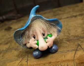 "Tiniest 1"" shy long-nosed Hobblin Gnome 'Perce' with wart OOAK Sculpt by Sculpture Artist Ann Galvin Goblin"