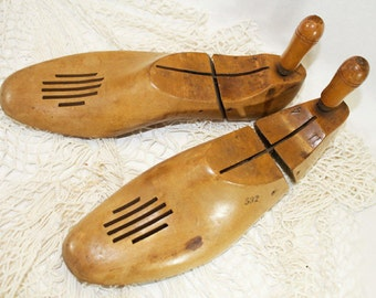 Vintage Shoe Stretchers, Wood Shoe Stretchers, Wooden Shoe Stretchers, Pair of Shoe Stretchers, Antique Shoe Stretchers, Shoe Tree, Mens 11