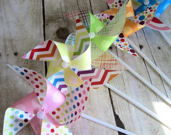 Paper Pinwheels Rainbow Favors Birthday Party Favors Rainbow Pinwheels Set of 12 Pinwheels Baby Shower Table Centerpiece Photo Prop