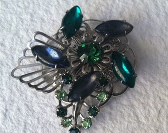 Green Spiral Flower Brooch: Silvertone Emerald Green Prong Rhinestone Pin