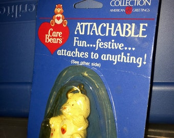 vintage 1985 care bears American greetings PVC figurine attachable secret bear zipper pull keychain  RAD MIP mint in package