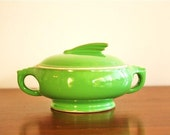 Vintage apple green art deco sauce dish with lid!