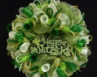 ON SALE Happy St Pats, Clover Wreath, Green White Gold, St Pats Wreath, Wreaths, Irish Decor