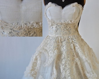 50's Wedding Prom White Tulle Ivory Lace Strapless Full Skirt Dress Shelf Bust Tiered Size XS