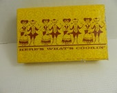 Vintage Here's What's Cookin' Recipe Cards fold out cards Colonial man woman