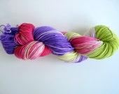 "Hand dyed sock yarn - superwash merino and nylon yarn in Sock&Roll base - Colourway ""Chándal 90's"""