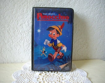 Walt Disney's PINOCCHIO vhs tape in Black padded Clamshell Case. Early Black Diamond Edition. Fine Condition