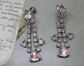 Brilliant KeyStone Rhinestone Dangle Earrings Screw Back    NY9