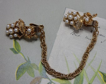 Retro Pearl Leaf & Flower Gold Tone Chain Chatelaine Sweater Guard Clip Brooch or Pin