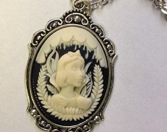 Snow White Cameo necklace // Snow White