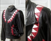 Vintage Leather Jacket Black with Red KISS Fangs Biker Bomber Style Size Large Great Condition - Chest 54""