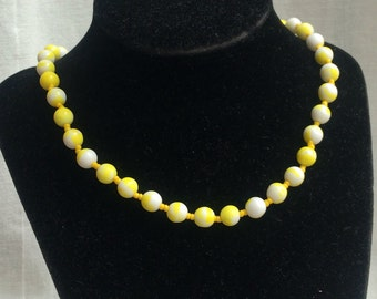 Vintage Yellow and White Hippy Chic Glass Bead Necklace