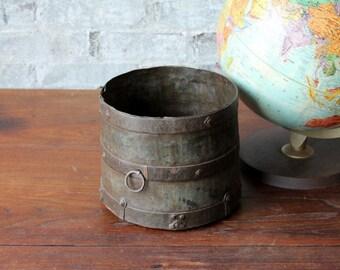 Reclaimed Vintage Industrial Metal Planter Pot Flower Vase Farm Chic Boho Metal Can Indian Metal Home Decor Gray
