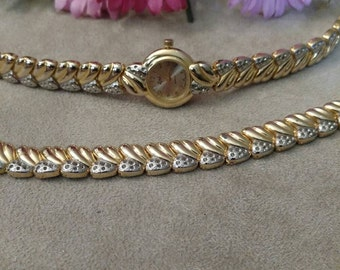 CLEARANCE Ladies Wristwatch, Bracelet Set, LINE'L, Matching, Gold and Silver Tone,  Newer Vintage, New Battery, FREE Shipping Sale