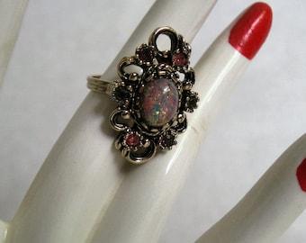 Vintage 1980s Ring Sarah Coventry Contessa Opal Rhinestone Adjustable Ring 7.5