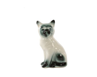 Kitschy Cat - Porcelain Figurine