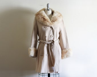COAT SALE 70's Vintage Wool Fur Collar Coat with Cinched Waist / Penny Lane Style / Boho Hippie