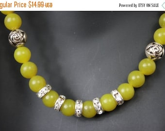 CLEAR50 Olive Green Jade Gemstone and Rhinestone with Rose Buds Formal necklace