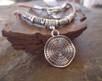 MANDALA COLLAR leather necklace in sand & Spacer (1580)