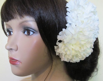WHITE Flamenco Carnations hair comb