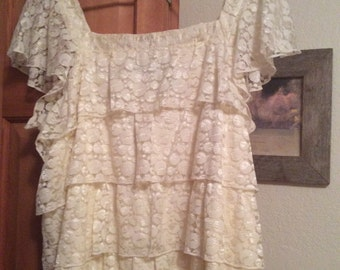 Lace blouse tiered XL ruffle NWOT short-slv Summer sweetheart/attention label