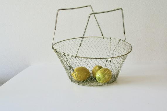Vintage Large Collapsiable Wire Basket, Market Basket, Shopping, Storage