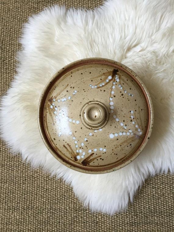 1980's stoneware beige speckled glaze bowl with lid