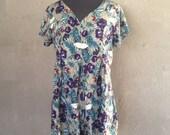 HALF OFF Vintage 1980s 1990s Floral Short Sleeve Rayon Romper L (i)