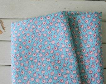 Vintage FLORAL FABRIC....vintage supplies. retro supply. retro. sewing. crafts. floral. mod. retro. vintage fabric. blue. garden. atomic