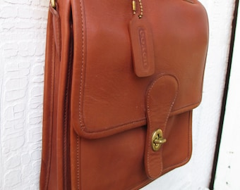 Vintage COACH • Station Bag • Messenger • British Tan • Satchel • 1990s