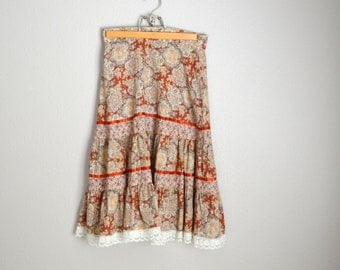 Vintage 70s Bohemian Tiered Lace Floral Kneelength Midi Skirt // womens small