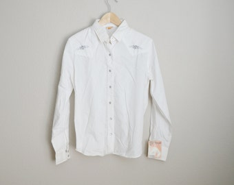 Vintage 70s White Embroidered Western WRANGLER Button Down Womens Shirt // medium - New OLD stock