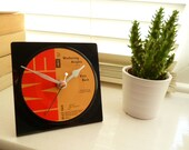 Kate Bush record Desk Clock 1970s Music Vintage Vinyl Record Clock Wuthering Heights 7 inch single EMI 45 rpm Unique gift for music lovers