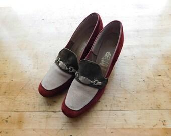 Suede Chunky Heels Vintage 70s Pilgrim Pumps - Size 8.5