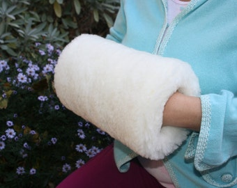 Luxurious Hand Muff Sheep shearling