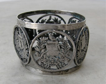 SILVER NAPKIN RING 6 Emblems Libertad 15 de Septiembre de 1821 Central America's Liberation from Spain Guatemalan Freedom Flag One of a Kind