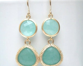 Gold Mint Drop Earrings. Mint Earrings. Mint Green. Mint Opal. Opal Earrings. Bridesmaid Earrings. Bridesmaid Gift. Bridal.Wedding Earrings.