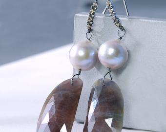 Sapphire Dangle by Agusha. OOAK Sapphire Earrings. Sapphire Eariings with Diamond Pave