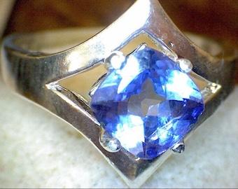 Stunning Princess Cut Tanzanite Ring