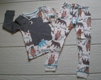 Elephant trunk sleeve 2pc thermal set, shirt and pants, pyjamas or longjohns, size boys 2T/3T, white bear pattern