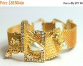 MOVING SALE Half Off Beautiful Vintage Haute Couture Runway Gold Mesh Bracelet with Modernist Pearl and Rhinestone Design