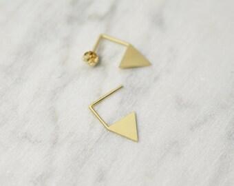 Triangle pendant earrings in Silver or Vermeil Gold // Délicat Earrings // gold earrings // geometric earrings // GM012