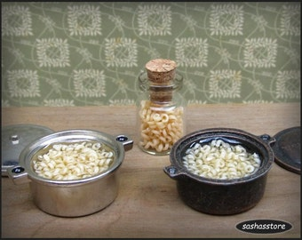 Dollhouse miniature cooking pot with noodles, 1:12 scale dollhouse food, cooking noodles, miniature kitchen accessory