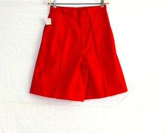 High waisted red shorts long bermudas  / 1980s retro bright bold ladies fashion / Lord & Taylor store new with tag / cotton size 8