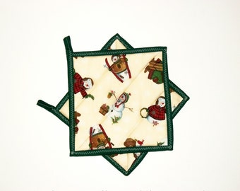 Quilted Pot Holders Christmas Snowmen Bears Rustic Lodge Cabin Green Kitchen Decor Set of 2
