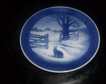 vintage royal copenhagen christmas plate 1971 hare in winter