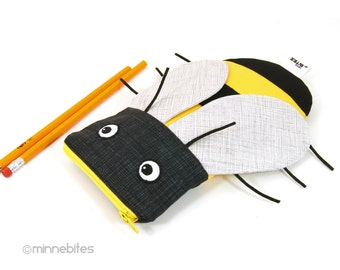 Bumble Bee Pouch - Kids Pencil Kit - Beekeeper Gift - Toddler Zip Bag - Sunglasses Case - Purse Organizer - Cute Kids Pouch - School Bag